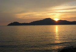 teluk-batik-beach-3