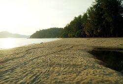 teluk-batik-beach-5